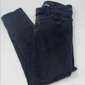 American eagle outfitters black distressed skinny
